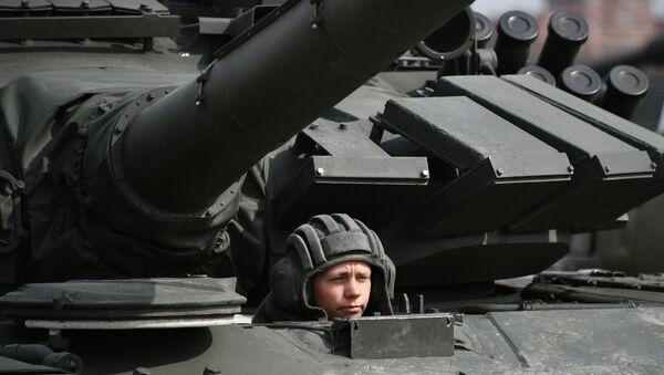 Механик-водитель танка, архивное фото - Sputnik Беларусь