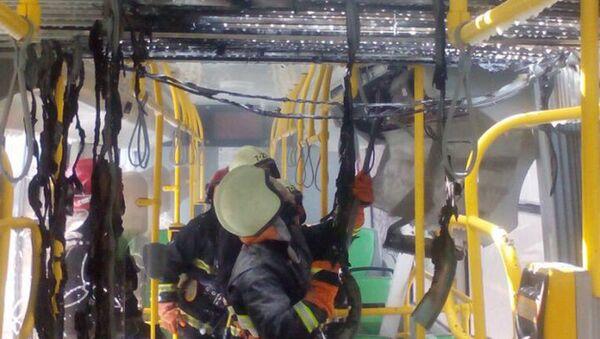 Пожарные в салоне электробуса - Sputnik Беларусь