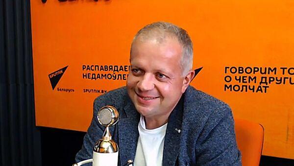 Юрый Бондар у студыі радыё Sputnik - Sputnik Беларусь