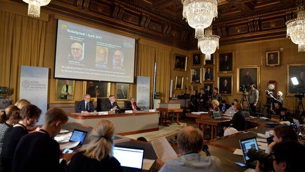 Лауреаты Нобелевской премии по физике Райнер Вайсс, Барри Бариш и Кип Торн - Sputnik Беларусь