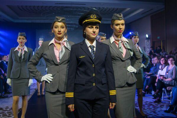 Презентация новой формы для авиакомпании Белавиа - Sputnik Беларусь