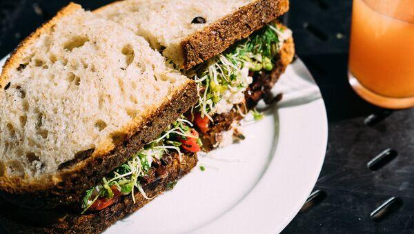 Сэндвич с овощами и грибами - Sputnik Беларусь