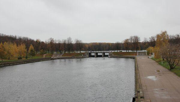 Від на Камсамольскае возера з моста над Свіслаччу - Sputnik Беларусь