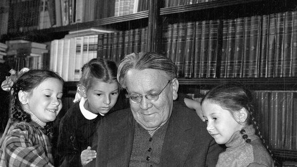 Писатель Самуил Маршак, архивное фото - Sputnik Беларусь