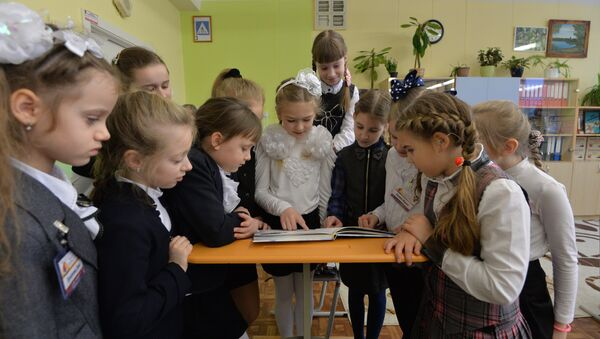 Вучаніцы пасля ўроку, архіўнае фота - Sputnik Беларусь