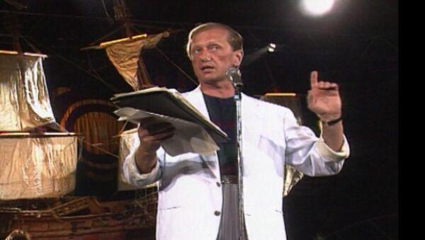 Выступление Михаила Задорнова в Ялте в 1992 году. Архивные кадры - Sputnik Беларусь
