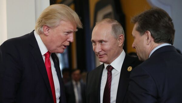 Президент РФ Владимир Путин и президент США Дональд Трамп  - Sputnik Беларусь