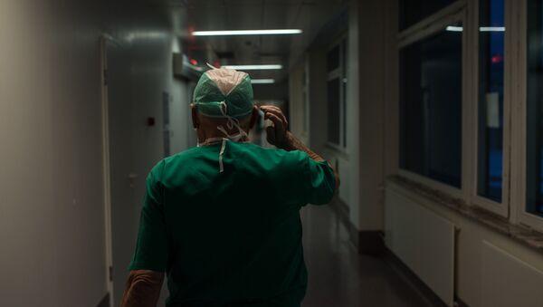 Врач в больнице, архивное фото - Sputnik Беларусь
