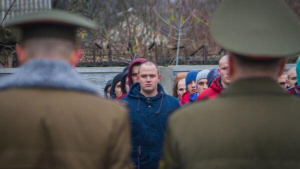 Призывники – отправка на прохождение воинской службы - Sputnik Беларусь