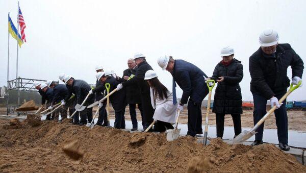 Церемония начала строительства Централизованного хранилища отработанного ядерного топлива (ЦХОЯТ) в Украине - Sputnik Беларусь