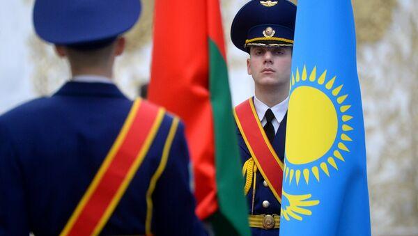 Сцягі Беларусі і Казахстана - Sputnik Беларусь