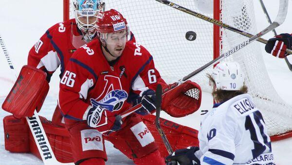 Хоккеист Денис Осипов, ранее выступавший за Локомотив, подписал контракт с минским Динамо - Sputnik Беларусь