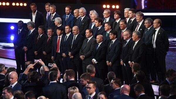 Тренеры стран-участниц на официальной жеребьевке чемпионата мира по футболу 2018 - Sputnik Беларусь