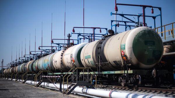 Нефтяные цистерны, архивное фото - Sputnik Беларусь