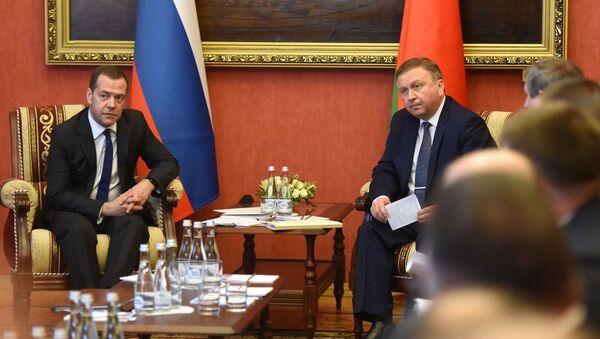 Премьер-министры России и Беларуси Дмитрий Медведев и Андрей Кобяков - Sputnik Беларусь