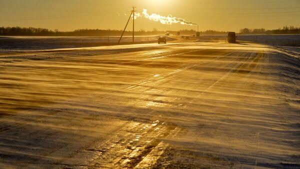 Ненастье на трассе М-1 - Sputnik Беларусь