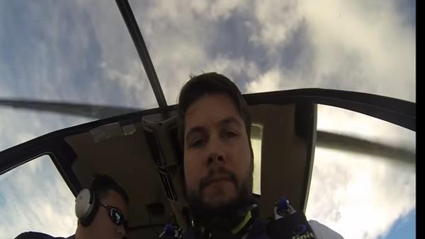 Американец прибыл на свою свадьбу, прыгнув с парашютом - Sputnik Беларусь
