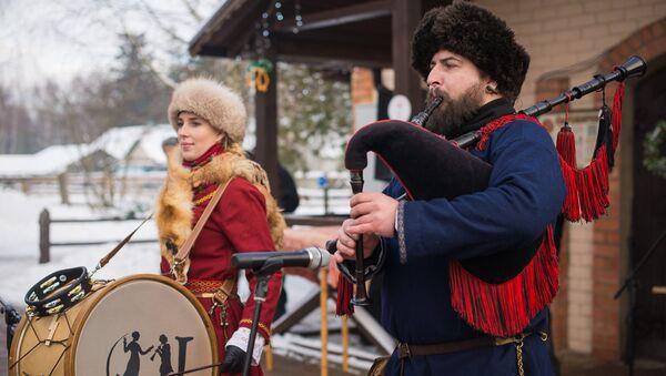 Для гасцей ігралі музыкі на аўтэнтычных нацыянальных інструментах - Sputnik Беларусь