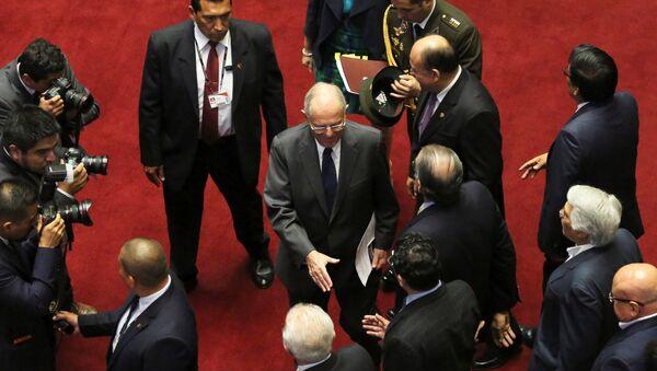 Президент Перу  Педро Пабло Кучински перед слушаниями об импичменте - Sputnik Беларусь