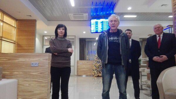 Белорусские медики вернулись из Ливии в Минск - Sputnik Беларусь