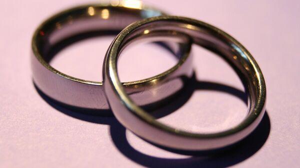 Обручальные кольца, архивное фото - Sputnik Беларусь