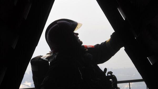 Пожарный МЧС РФ, архивное фото - Sputnik Беларусь