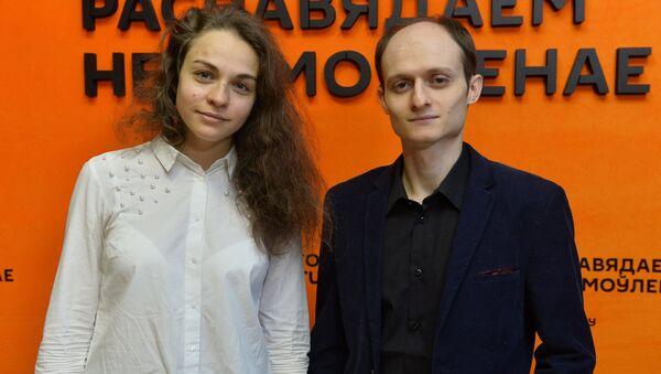 Арганізатар Ганна Лянькова і расійскі скрыпач, саліст Сяргей Белазёрцаў - Sputnik Беларусь