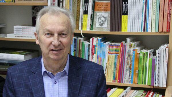 Дзяржаўны дзеяч і беларускі пісьменнік Анатоль Бутэвіч - Sputnik Беларусь
