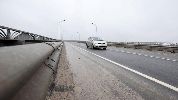 Автомобиль на дороге, архивное фото - Sputnik Беларусь