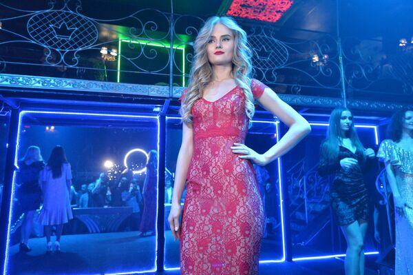 Модный выпускной в школе красоты - Sputnik Беларусь