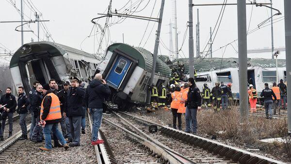 Крушение поезда в Италии - Sputnik Беларусь