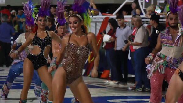 Традиционный карнавал начался в парагвайском городе Энкарнасьон - Sputnik Беларусь
