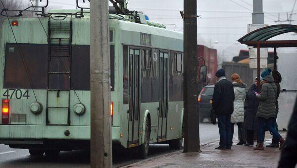 Остановка общественного транспорта в Минске, архивное фото - Sputnik Беларусь