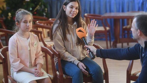 Участницы Ты супер! из Беларуси 14-летняя Вера Ярошик и 10-летняя Снежана Гордеенко - Sputnik Беларусь