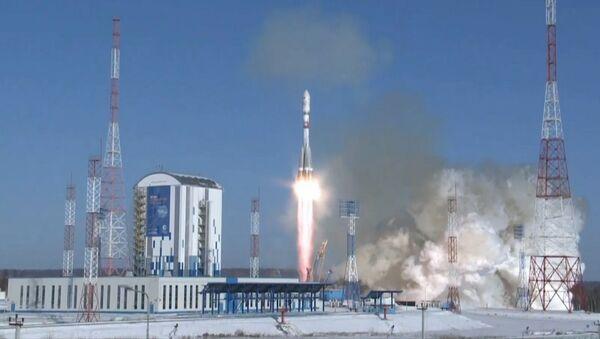 Кадры запуска ракеты з замежнымі спадарожнікамі з касмадрома Ўсходні - Sputnik Беларусь