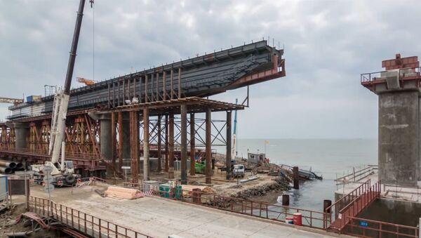 Сооружение железнодорожных пролетов Крымского моста - Sputnik Беларусь
