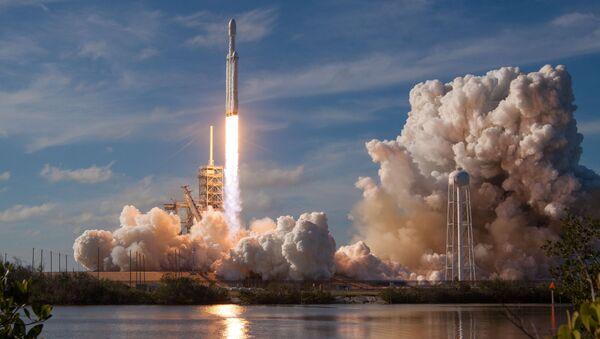 Запуск Falcon Heavy з мыса Канаверал - Sputnik Беларусь