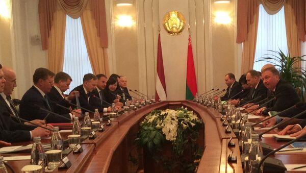 Встреча премьер-министра Беларуси Андрея Кобякова с премьер-министром Латвии Марисом Кучинскисом - Sputnik Беларусь
