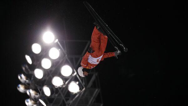 Белорусский фристайлист Антон Кушнир получил низкие баллы и не прошел в финал соревнований по лыжной акробатике - Sputnik Беларусь