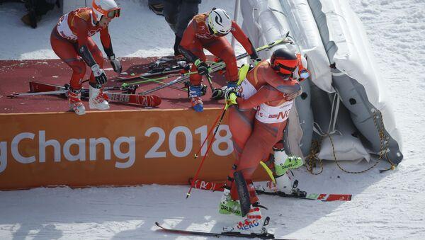 Норвежские горнолыжники празднуют завоевание бронзовой награды - Sputnik Беларусь