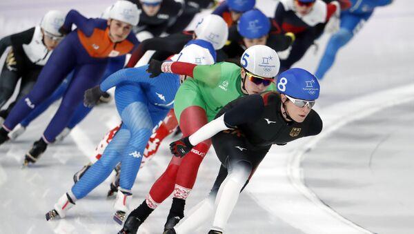 Конькобежки во время масс-старта в Пхенчхане - Sputnik Беларусь