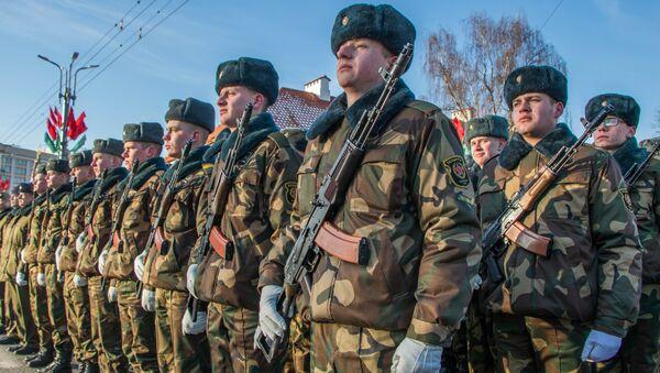 Ваенны парад і шэсце войскаў па цэнтры Гродна - Sputnik Беларусь
