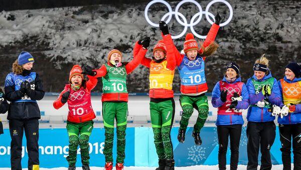 Золотая медаль белорусских биатлонисток - Sputnik Беларусь