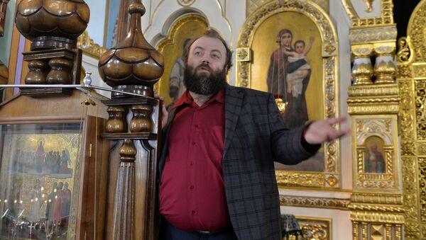 Протодиакон Андрей Горбунов в Покровском соборе в Барановичах - Sputnik Беларусь