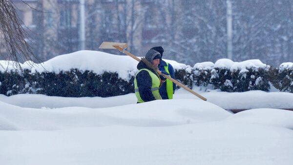 Уборка снега в городе - Sputnik Беларусь