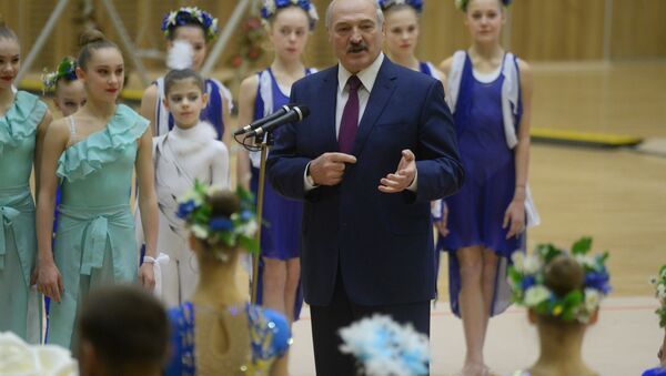 Александр Лукашенко напутствовал юных гимнасток - Sputnik Беларусь