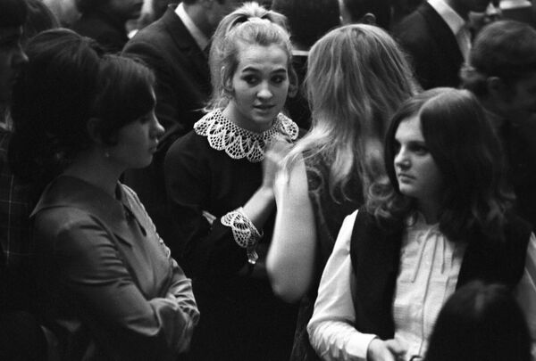На танцах в Минском Доме культуры, 1971 год. - Sputnik Беларусь