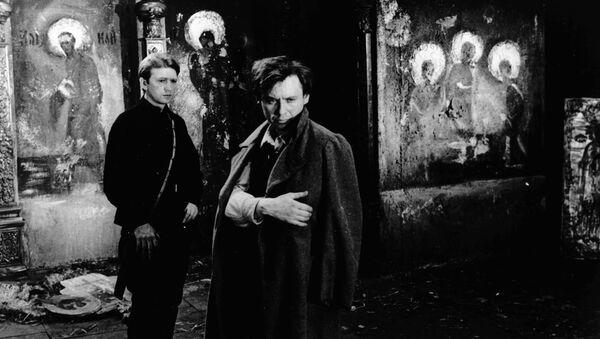 Олег Табаков (справа) в роли Искремаса на съемках кинофильма Гори, гори, моя звезда - Sputnik Беларусь