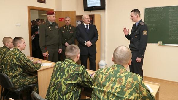 Посещение части внутренних войск МВД президентом страны Александром Лукашенко - Sputnik Беларусь