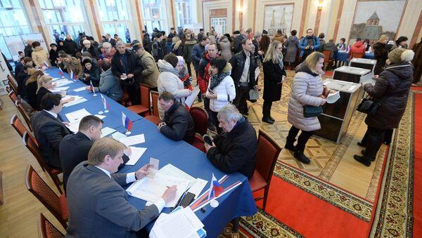 Голосование на президентских выборах в России, посольство РФ в Минске - Sputnik Беларусь